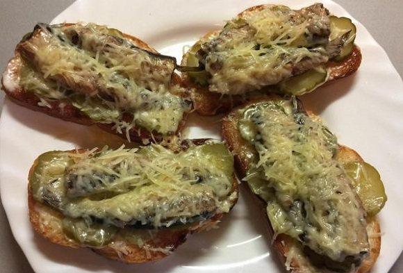 Горячие бутерброды в духовке : 15 простых и вкусных рецептов с фото — kushaisovkusom.ru